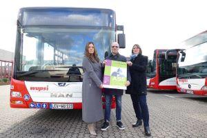 Plakataktion zu ASS in den Bussen der wupsi
